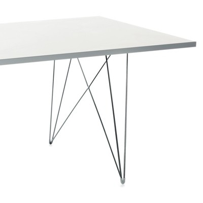 Magis XZ3 table