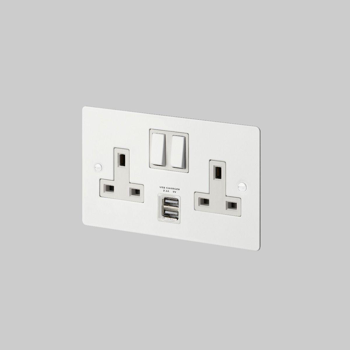 Buster + Punch UK Plug Socket 2G USB