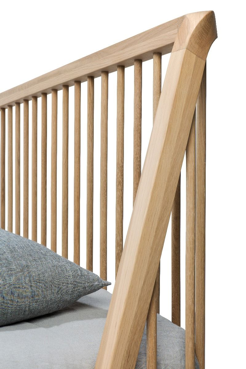 detail photo of the Ethnicraft Oak Spindle Bed head board