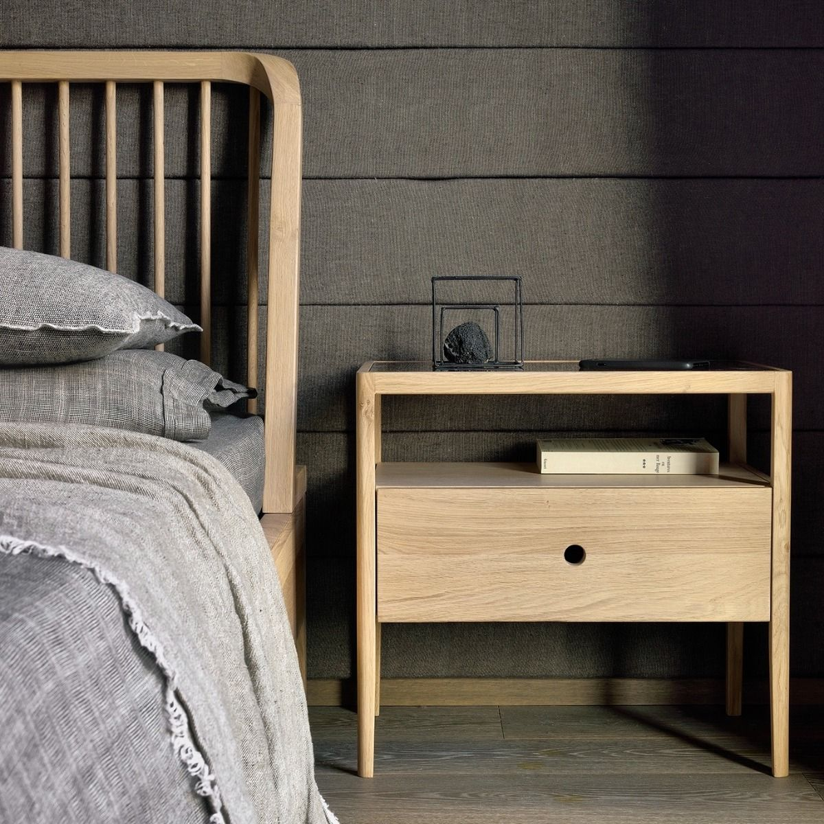 Ethnicraft Oak Spindle Bed with the spindle bedside table