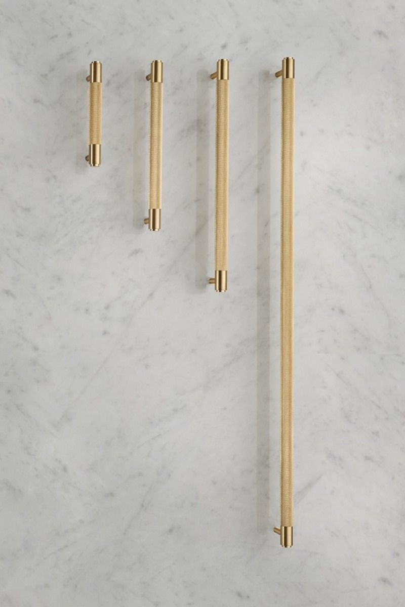 Buster + Punch Pull Bar Handle - Brass