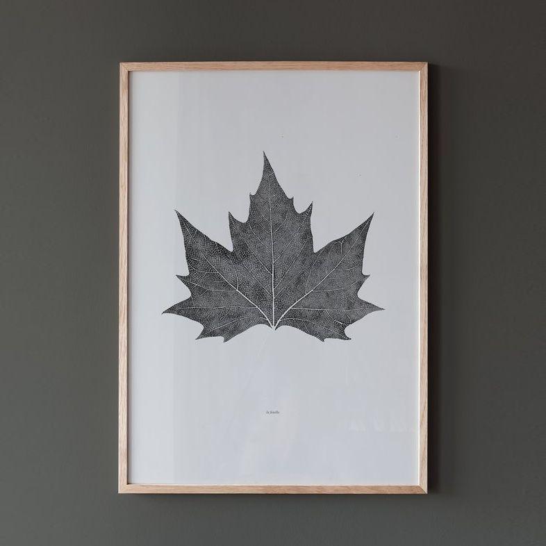 Coco Lapine La Feuille Poster in oak frame on grey wall