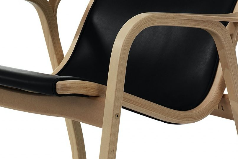 Swedese Lamino chair in black leather chair with beech frame