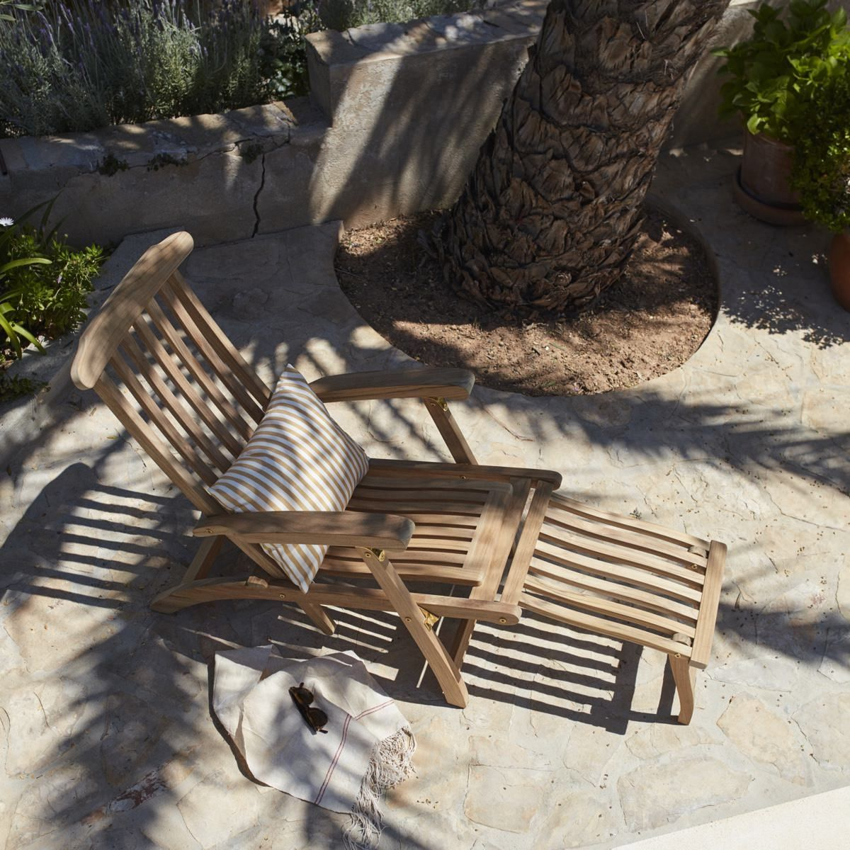 Skagerak Steamer Deck Chair on the patio