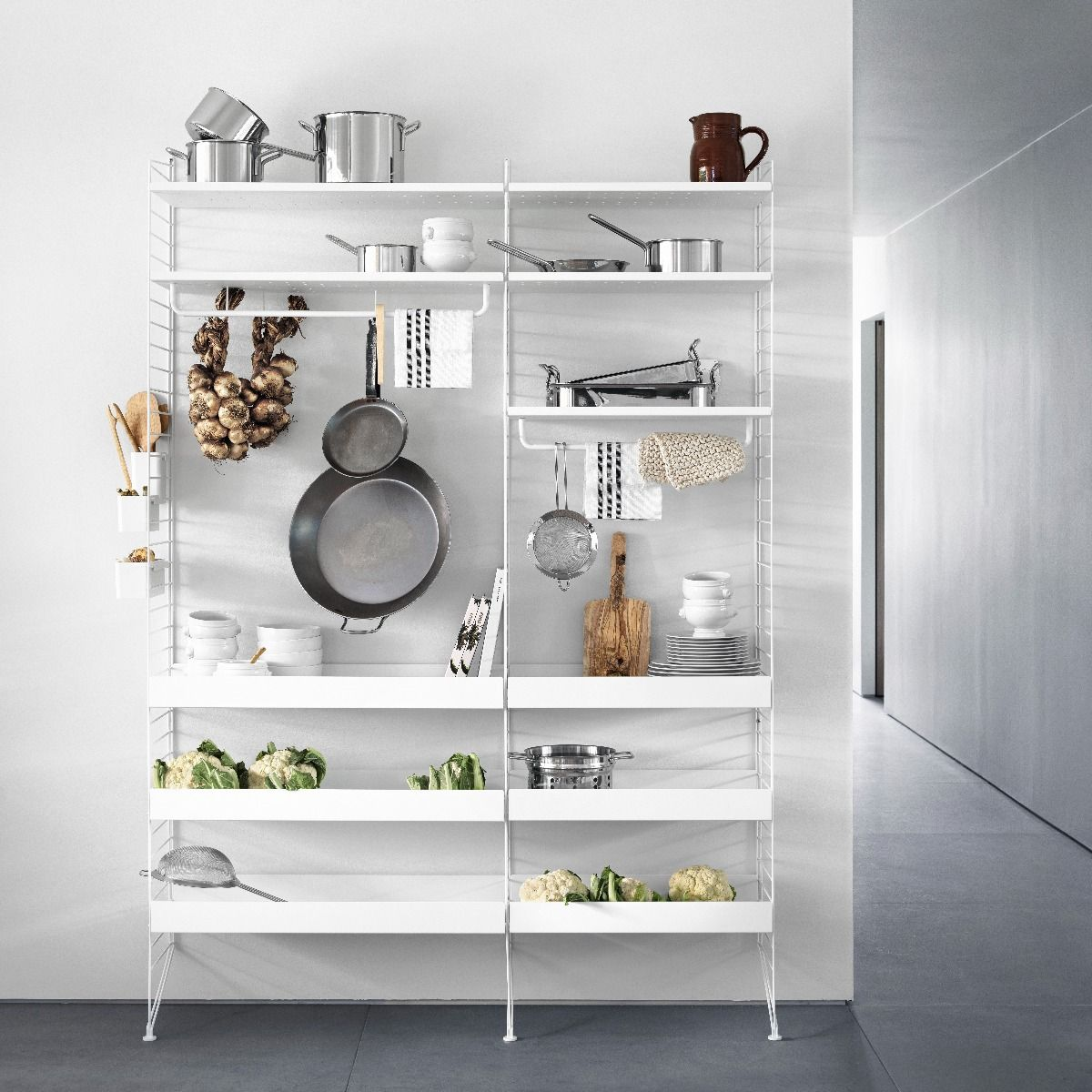 String metal shelves 78 x 30, white in kitchen system with 2m floor panels