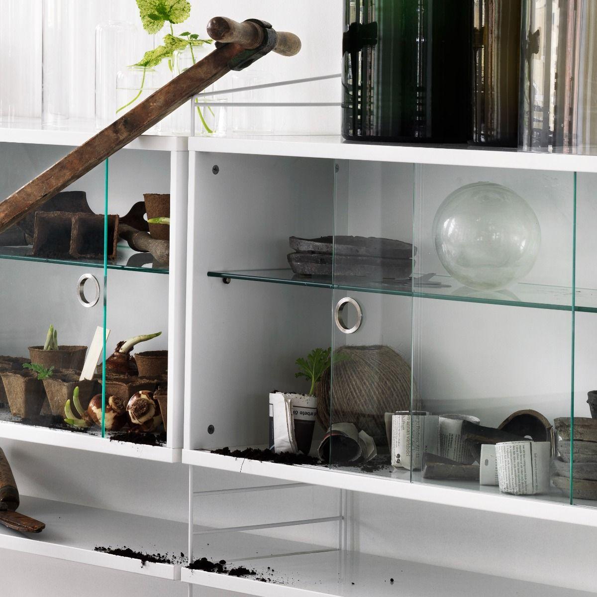 String Display Cabinet white detail