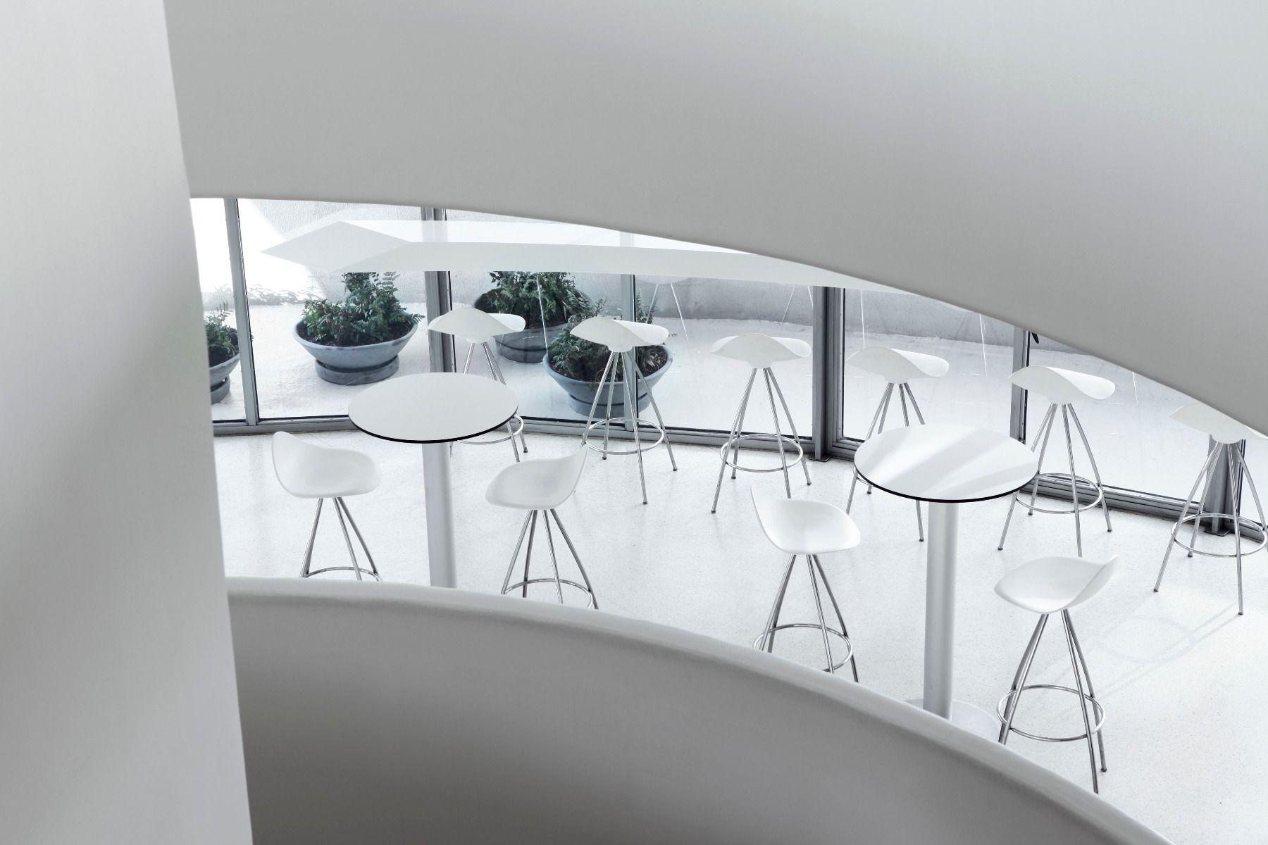 STUA onda swivel monochrome bar stool in the Guggenheim