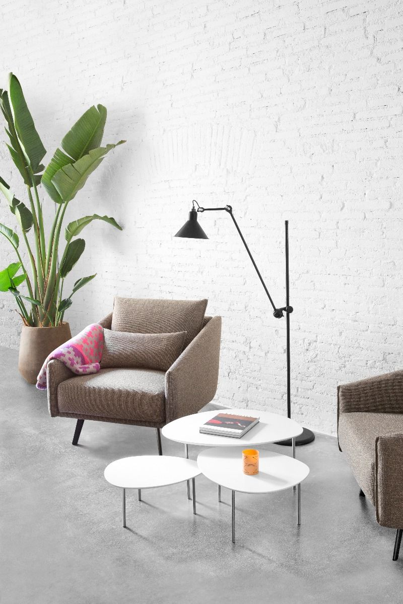STUA Eclipse Coffee tables white with Costura chair