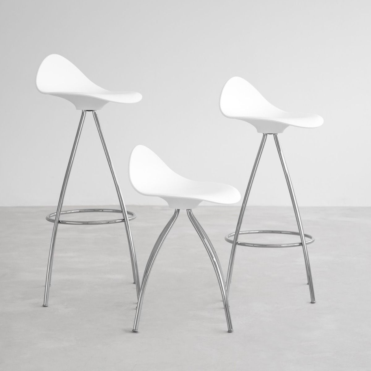 STUA Onda monochrome bar stool showing the three different heights