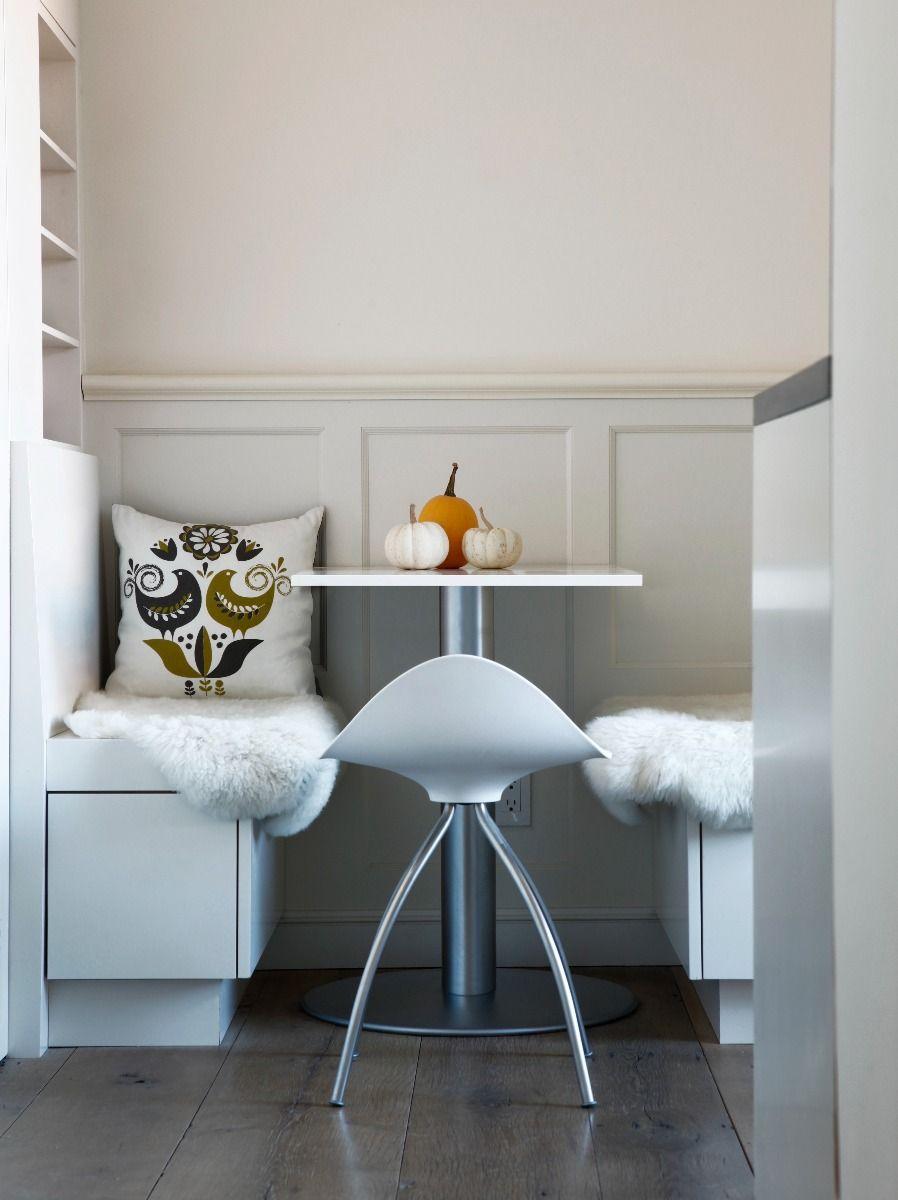 STUA onda swivel monochrome bar stool 45cm at a table