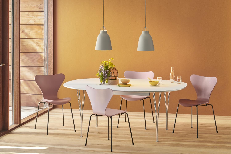 Fritz hansen series 7 chairs in wild rose