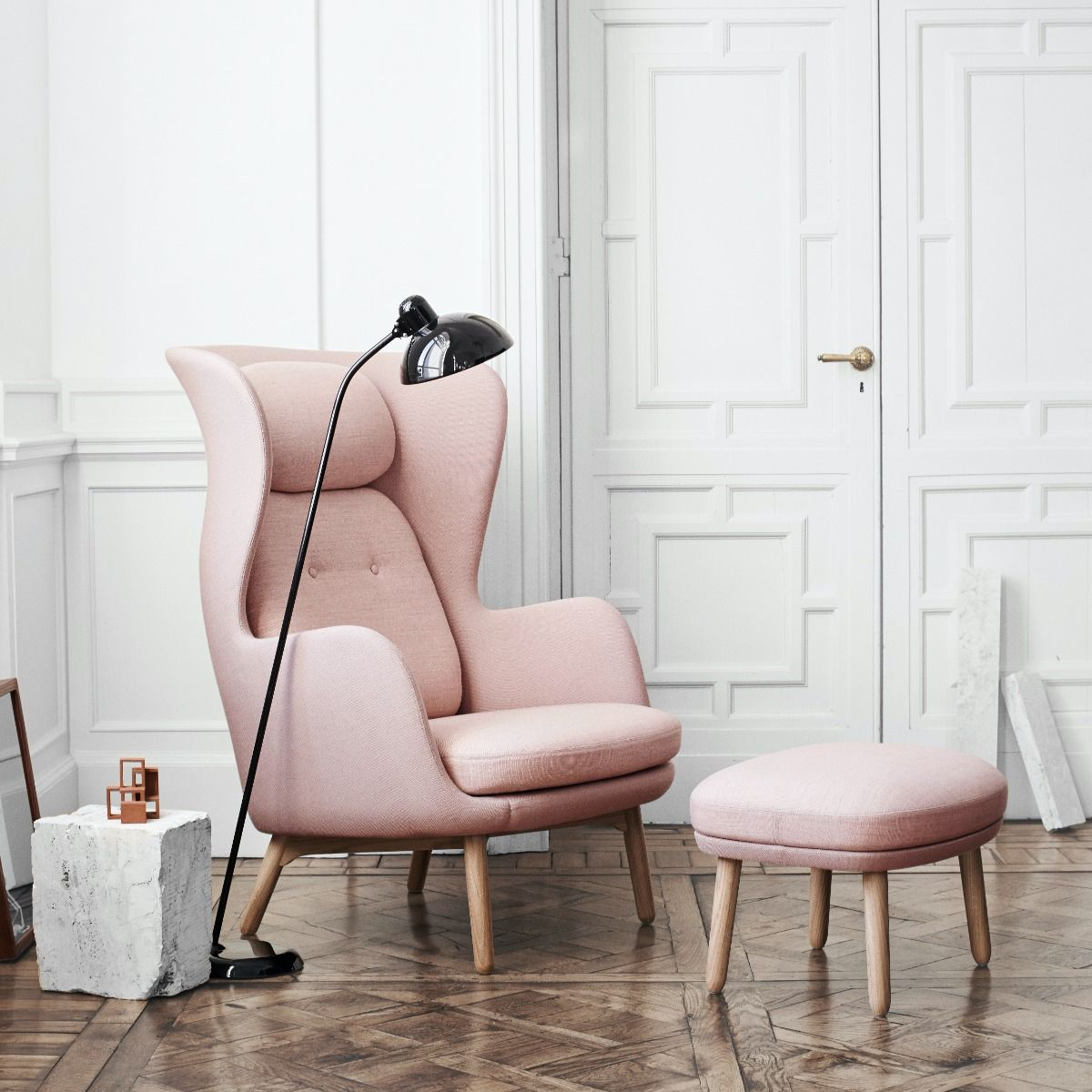 Fritz Hansen Ro Easy chair with foot stool in pink