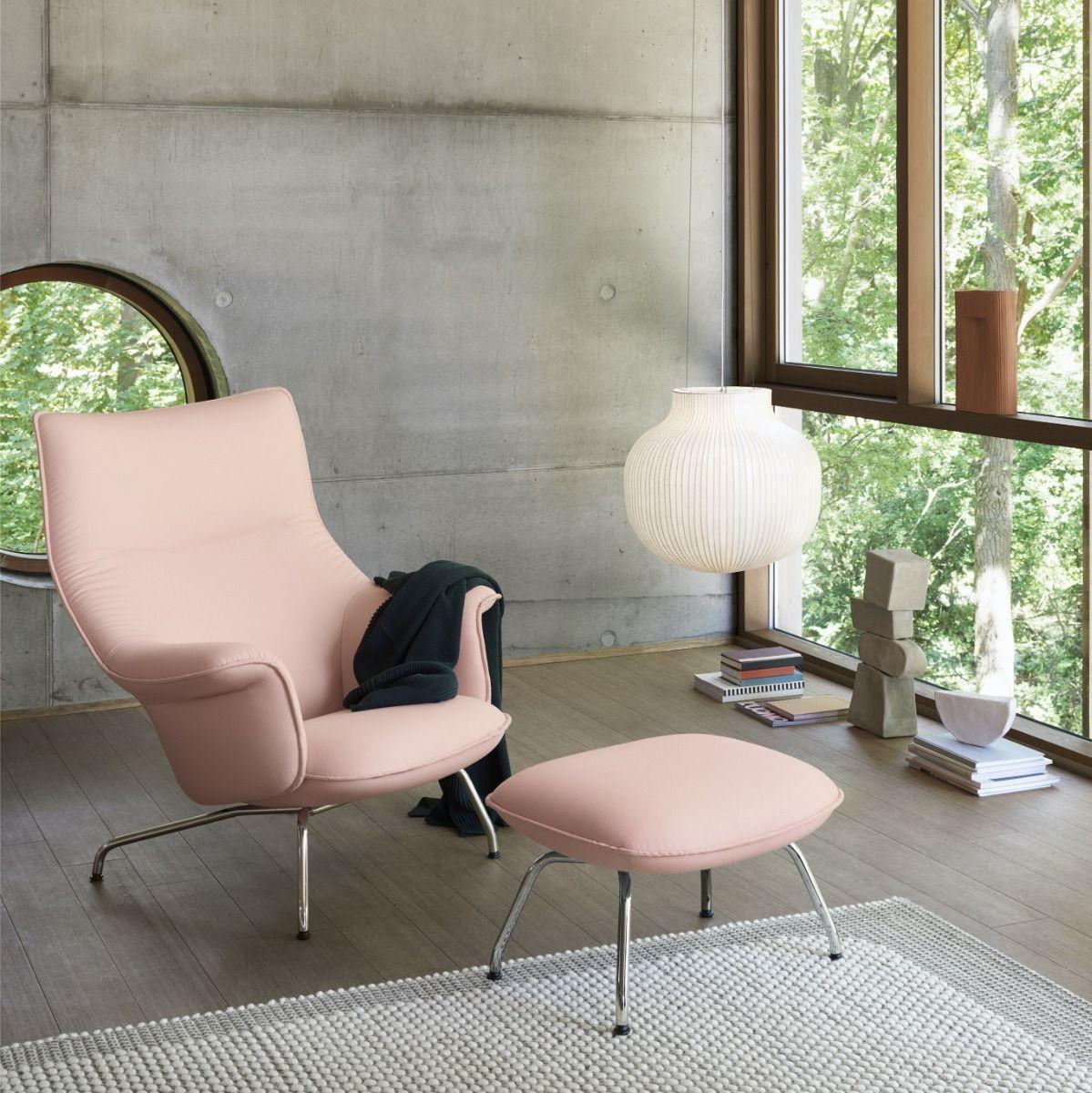 Muuto Doze Lounge chair in pink