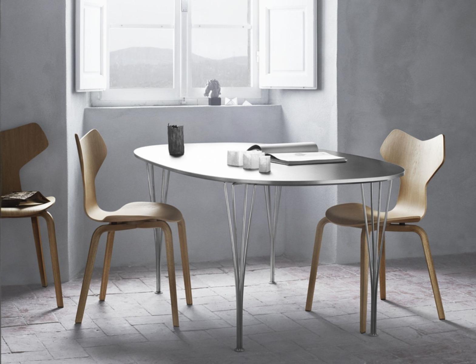 Fritz Hansen Super Elliptical Table