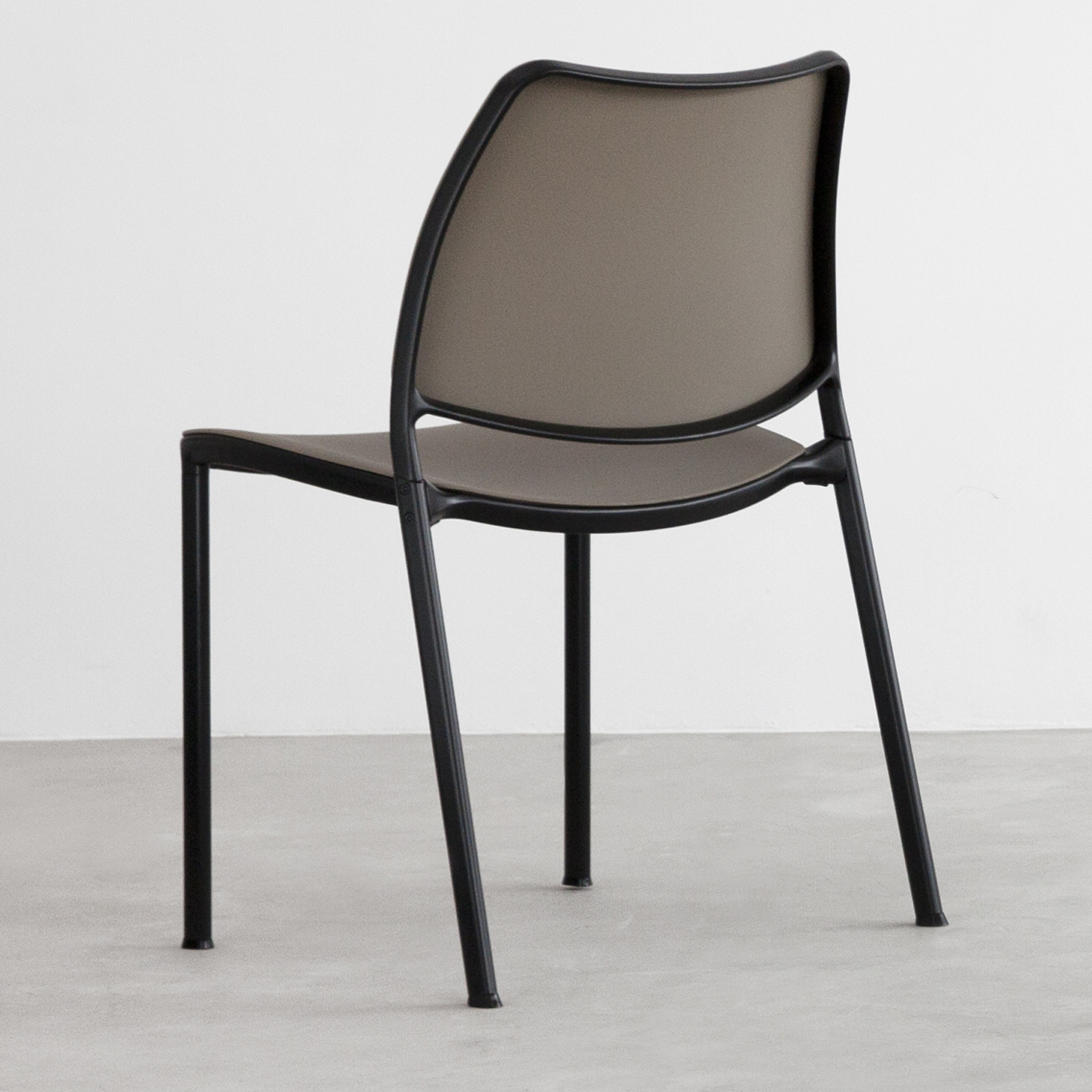 STUA gas chair with taupe polyprop and black frame