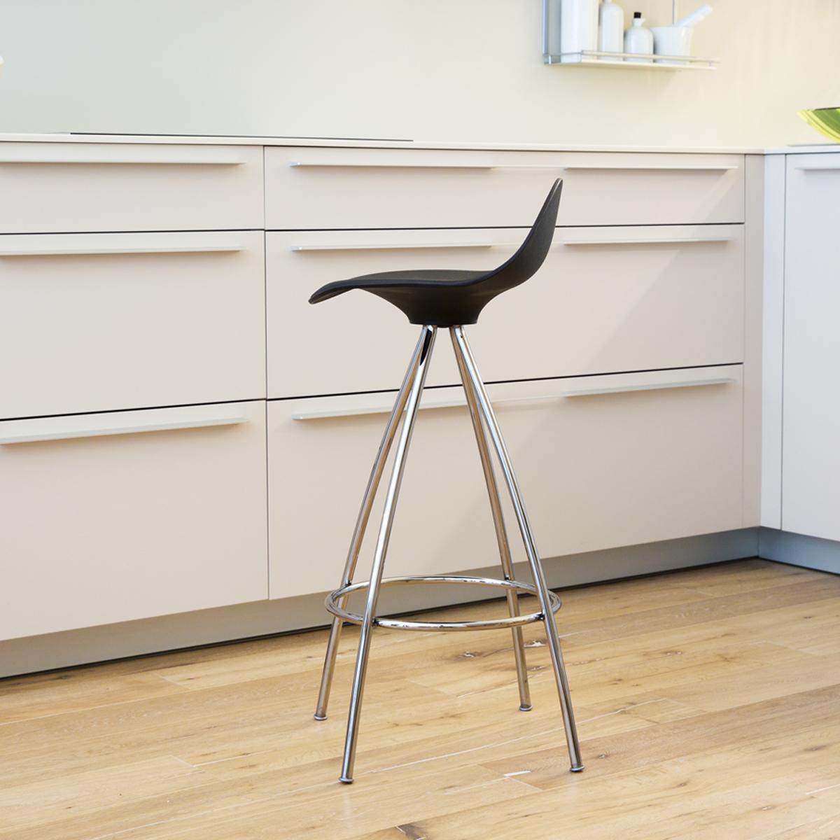 STUA onda bar stool black shell black seat