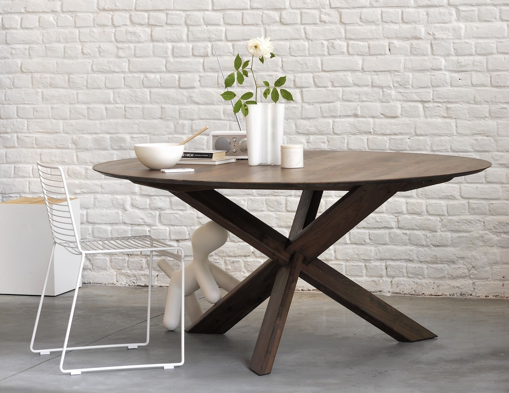 ethnicraft-circle-dining-table